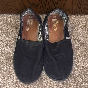 TOMS SIZE 5